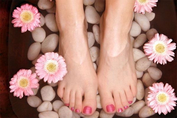 Bakımlı Kadın Ayaklarından Belli olur