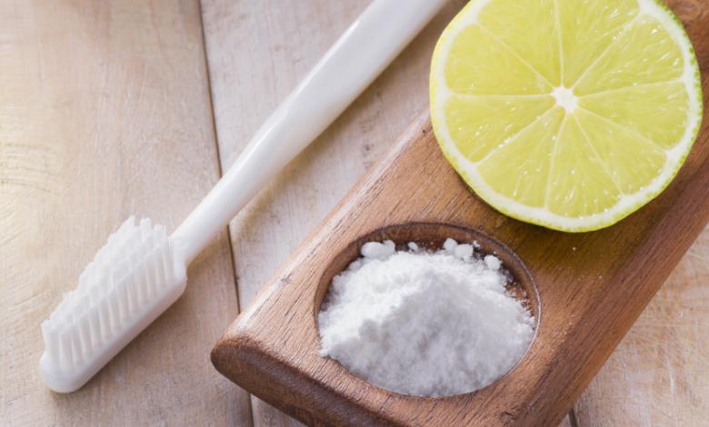 Doğal Malzemelerle Evde Diş Beyazlatma Yöntemleri Nelerdir?